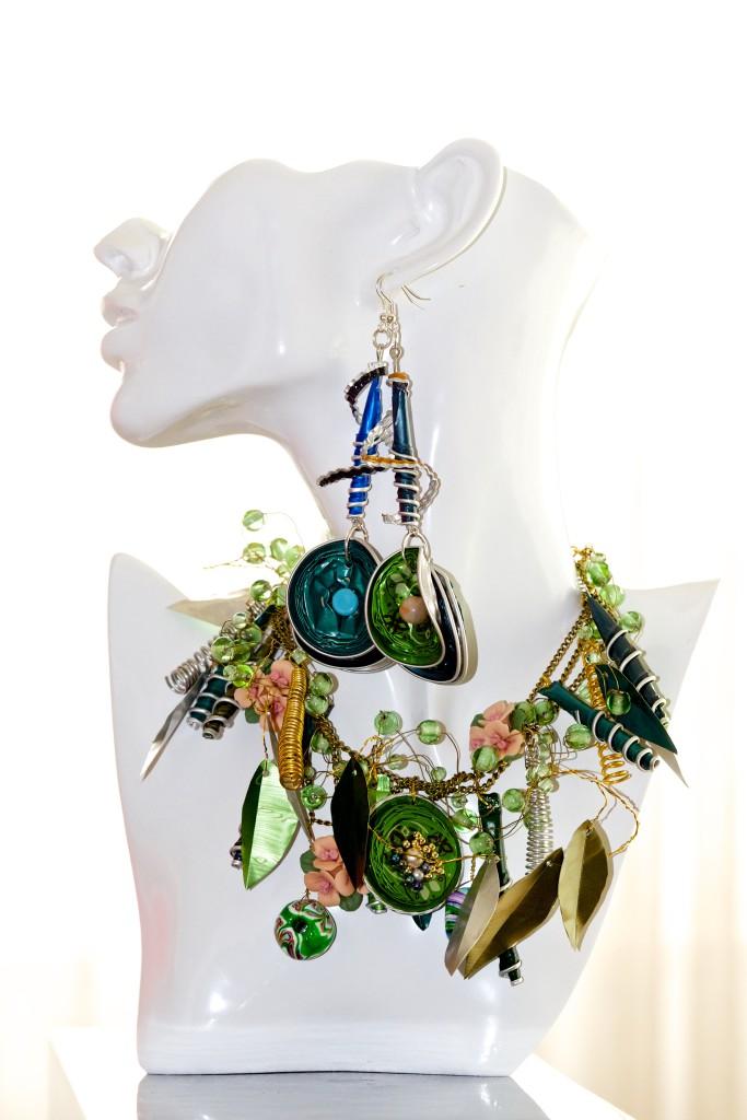 Halsschmuck und Ohrringe 'Springgreen'
